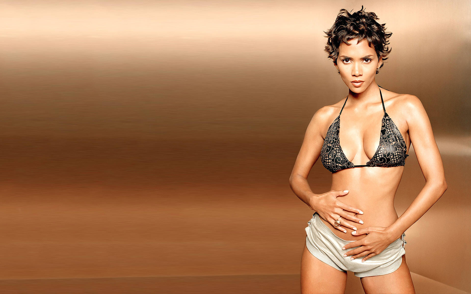 Halle-Berry-Pictures