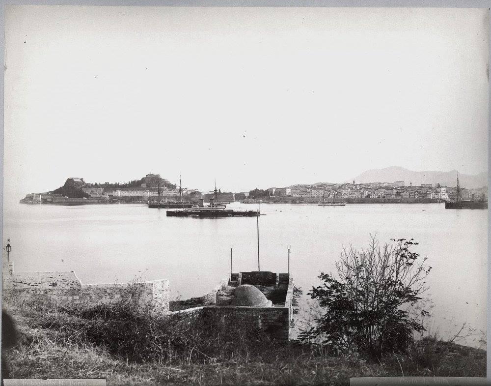 Κέρκυρα στο λιμάνι 1880, φωτογράφος Bartolomeo Borri.