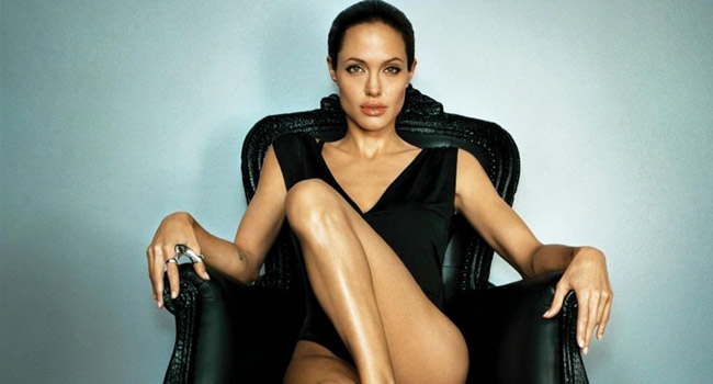 angelina-jolie-hot-and-sexy