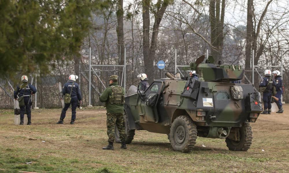 ΕΚΤΑΚΤΟ:Τούρκοι ρίχνουν χημικά με βομβιδοβόλα κατά των ελληνικών δυνάμεων στις Καστανιές!