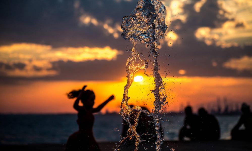 ΚΟΛΑΣΗ:Πρόβλεψη για το πιο ζεστό καλοκαίρι των τελευταίων 100 ετών!