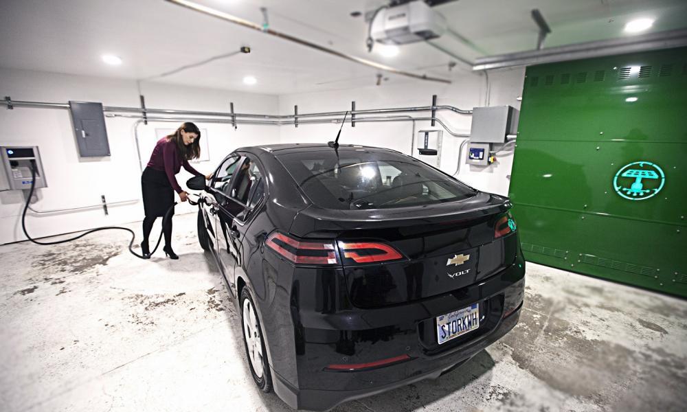 ΥΠΟΧΡΕΩΤΙΚΑ Φορτιστές αυτοκινήτων στις νέες πολυκατοικίες από το 2021