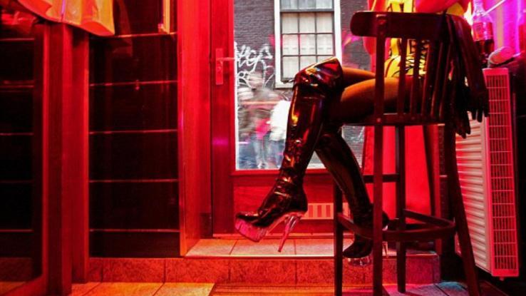 Οίκοι ανοχής: Η παροχή υπηρεσιών δεν θα ξεπερνά πλέον τα 15 λεπτά ανά πελάτη,και σε συγκεκριμένες σεξουαλικές στάσεις!
