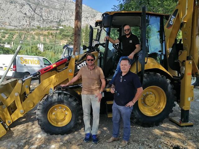 Ο Δήμος Ξηρομέρου παρέλαβε έναν εκσκαφέα- φορτωτή