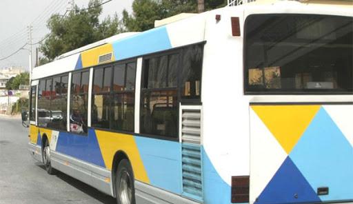 ΚΑΤΑΓΓΕΛΙΑ:Έφτυσαν οδηγό λεωφορείου επειδή τους ζήτησε να φορέσουν μάσκα