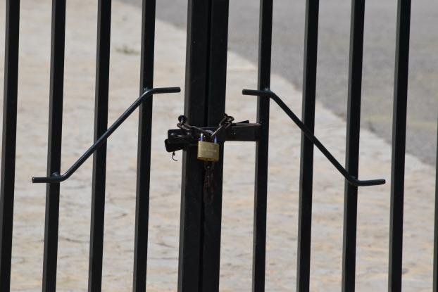 Κορωνοϊός: Προς αναβολή το άνοιγμα των σχολείων και η ΔΕΘ – Νέα μέτρα