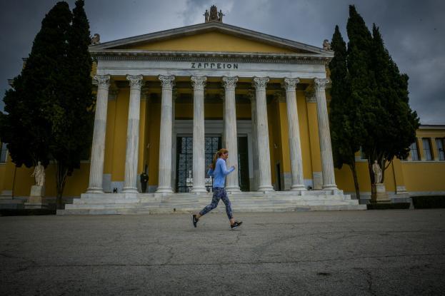 Lockdown στην Αττική: Προετοιμάζουν το έδαφος οι επιδημιολόγοι