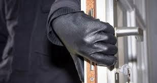 """Αγρίνιο: """"Μπούκαρε"""" καταμεσήμερο σε διαμέρισμα για να κλέψει και ήρθε τετ α τετ με τον ιδιοκτήτη"""