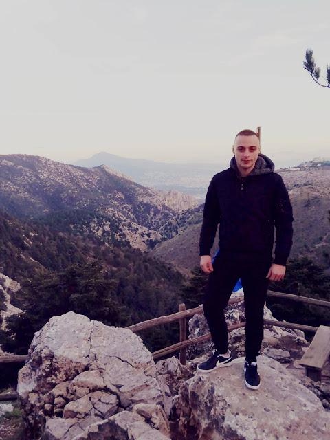 Θρήνος στην Παλαιομάνινα για τον θάνατο 22χρονου