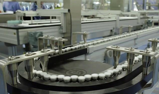 Κοροναϊός : Στη γραμμή παραγωγής τα εμβόλια της Pfizer