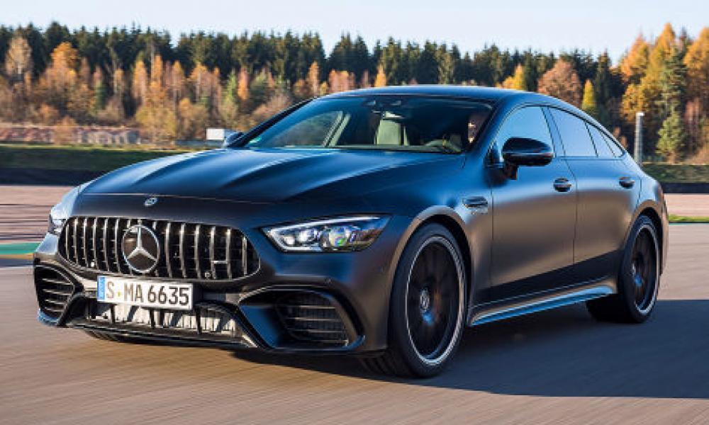 ΑΠΙΣΤΕΥΤΟ:Καίει τη Mercedes του αξίας 143.000 ευρώ σε χωράφι επειδή του χάλαγε συνέχεια[βιντεο]