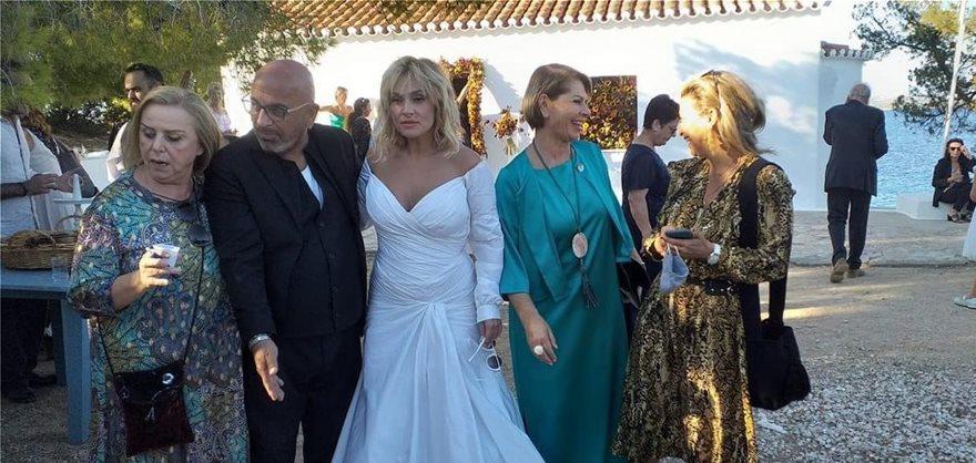 Ρομαντικός γάμος στις Σπέτσες για την Ελεωνόρα Ζουγανέλη και τον Σπύρο Δημητρίου! (Φωτο)