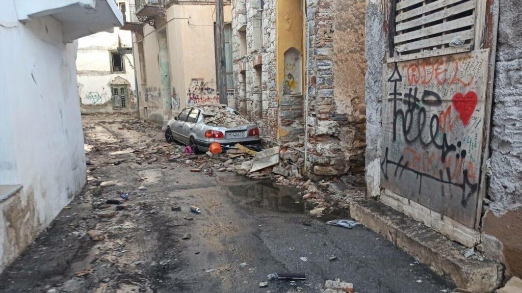 Tραγωδία στη Σάμο: Νεκροί οι δύο μαθητές που καταπλακώθηκαν από τοίχο