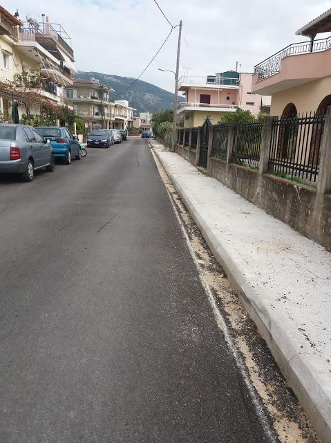 Υπάρχουν κι αυτά τα πεζοδρόμια στη Βόνιτσα !Η παραπληροφόρηση και ο σκοταδισμός δεν έχει τέλος!