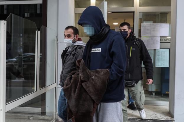 Συγκλονίζει η μητέρα του 26χρονου: Τον μαχαίρωσε 3 φορές και τον πέταξε στο ποτάμι