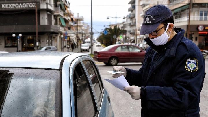 «Βροχή» τα 300άρια αν δεν φοράτε μάσκα στο αυτοκίνητο -Τι ισχύει