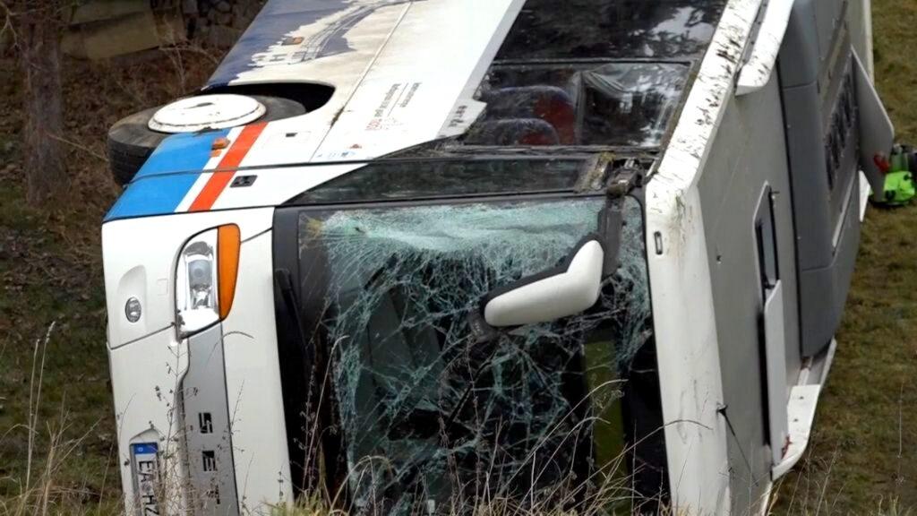 ΕΚΤΑΚΤΟ :Τραγικό δυστύχημα με λεωφορείο. Τέσσερις νεκροί, ανάμεσά τους κι ένας Έλληνας