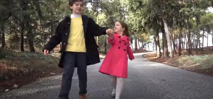 """Συγκλονιστικό βίντεο για τα ΦΕΤΙΝΑ ΧΡΙΣΤΟΥΓΕΝΝΑ: """"Ανοίξτε τις εκκλησιές τα Χριστούγεννα!"""""""