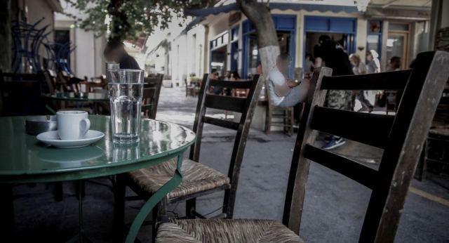«Άνοιξε» το καφενείο του χωριού και το πλήρωσε με πεντοχίλιαρο & αυτόφωρο