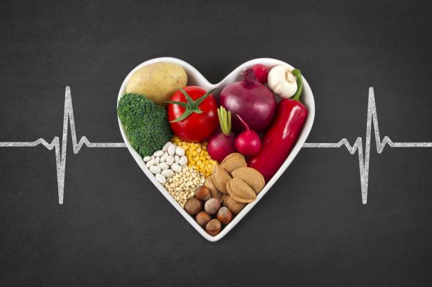 Χοληστερόλη: Πέντε υγιεινοί τρόποι για να τη μειώσετε