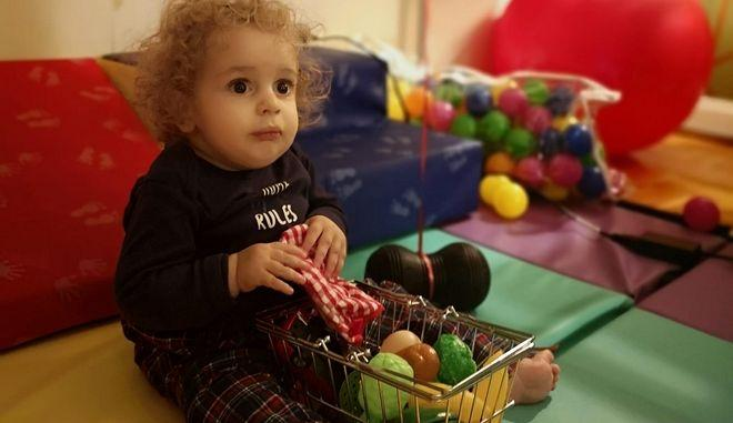 Παναγιώτης Ραφαήλ: Χαρούμενες γιορτές στο σπίτι του με την οικογένειά του (Video)