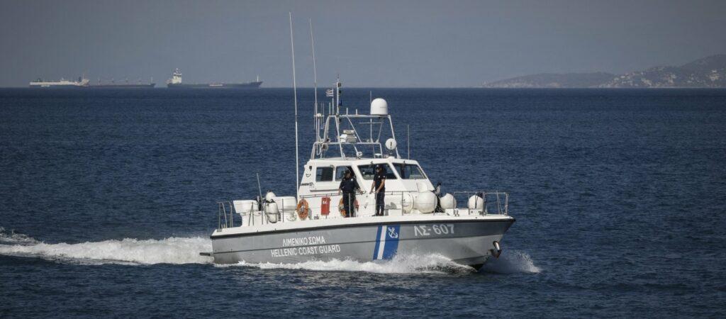 Φορτηγό πλοίο προσάραξε στη Λευκάδα – Σώο το πλήρωμα
