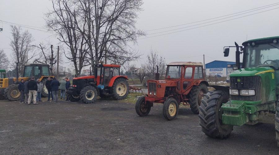 """Ξανά στους δρόμους oι αγρότες ζητάνε άμεσα αποζημιώσεις για """"Ιανό"""" και """"Λέανδρο"""""""