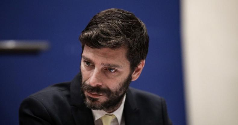Νικόλας Γιατρομανωλάκης: Ποιος είναι ο πρώτος ανοιχτά γκέι Έλληνας υφυπουργός