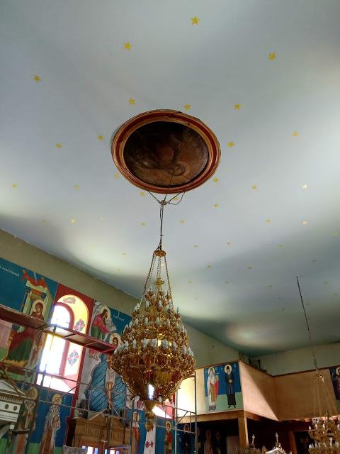 ΜΠΑΜΠΙΝΗ-Περατώθηκε αισίως η κατασκευή του ταβανιού της εκκλησίας του Αγίου Νικολάου(φωτο)
