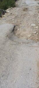 Δήμος Ξηρομέρου:Σε άθλια κατάσταση ο δρόμος προς το παλιό χωριό του Βάρνακα (δείτε φωτό))