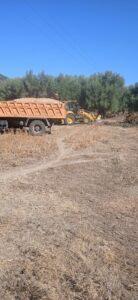 ΠΑΝΟΣ ΠΕΤΡΟΝΙΚΟΛΟΣ: διαμόρφωση αγροτικών δρόμων και στο τελευταίο αγρόκτημα και αγρό κτηνοτροφική μονάδα